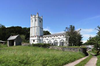 Torbryan Church